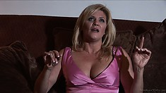 Old time pornstar Ginger Lynn talks about how she loves girls