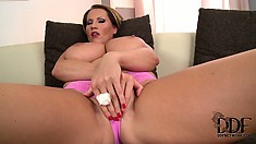 Behold the legend of this MILFs monster melons and how fun they are to play with