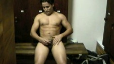 Latin hunk with an amazing body unloads all over his six pack
