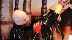 Kinky lesbians in latex outfits Andrea and Alicja please each other