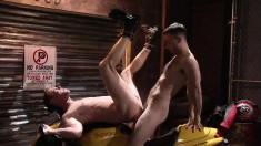 Uninhibited guy wants to experiment with some hot gay fucking