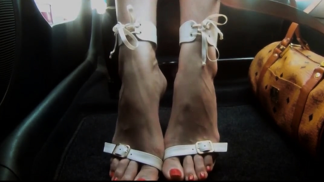 Sexy feet in high heels porn