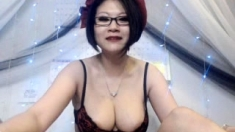amateur bamagirl40 flashing boobs on live webcam