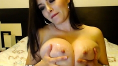 Her Huge Boobs Are Perfect For Titjob